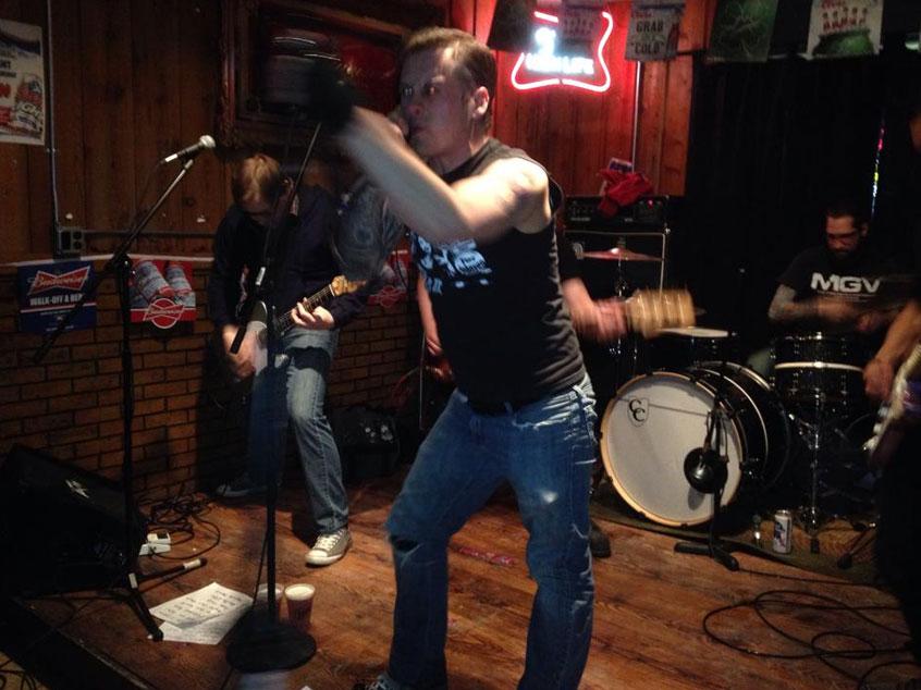 white_tavern_bands4